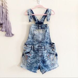 3/$20 Jordache • girls acid wash overall shorts